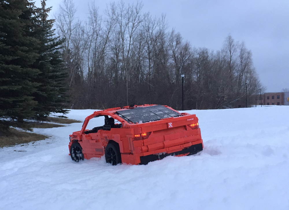 AXI Phantom M in snow, rear view